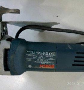 Bosch GSC 160 - листовые ножницы по металлу.