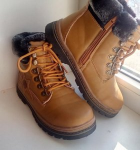 Ботинки зимние 33 размер