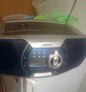 Магнитофон SAMSUNG