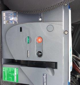 EasyPact MVS Schneider Electric 1250A автомат