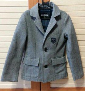 Пиджак школьный 122 размер + брюки бесплатно 2 шт.
