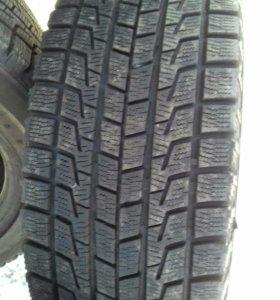 Продам205/55R16  шины Б/У, Bridgestone Revo-1