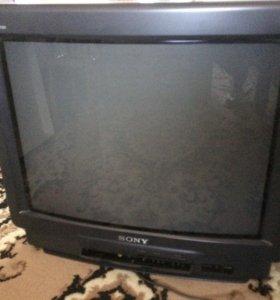 Два телевизора с документами