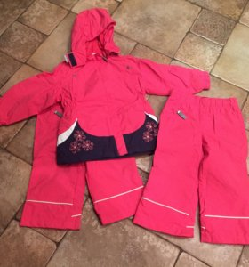 Куртка и две пары штанов на весну- лето