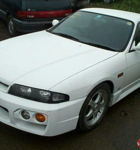 Капот на   Nissan Skyline  2.5 GTS25t type M