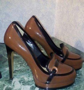 Туфли VITACCI новые