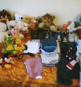 Детские вещи,и мягкие игрушки.