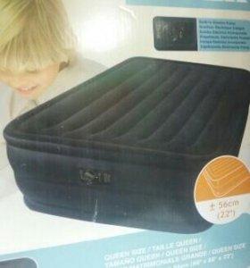 Высокая надувная кровать интекс.