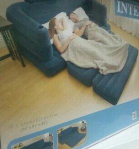 Кровать диван надувной.