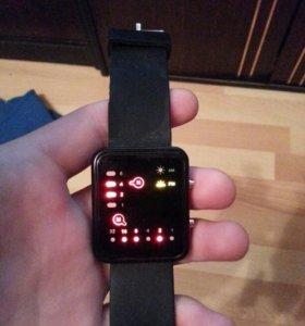 Новые LED часы в идеальном состоянии