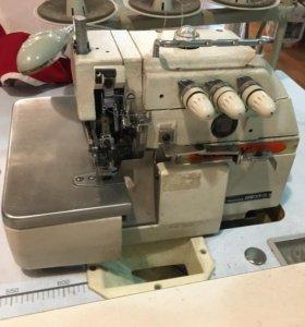 Оверлок швейная машинка