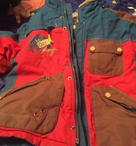 Куртки детские в хорошем состояние на 6,7 лет