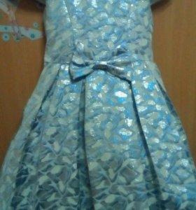 Нарядное платье на девочку.