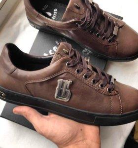 Низкие кроссовки из натуральной кожи, Гонконг