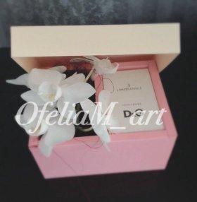 Коробка с цветами к празднику!