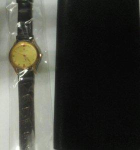 Часы +Подарок клатч