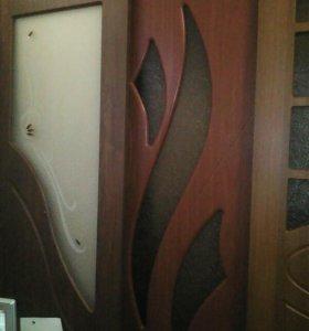 Дверь в сборе с коробкой и ручкой