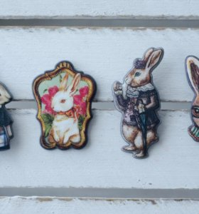Брошь заяц