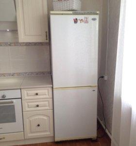 Холодильник двухкамерный, б/у