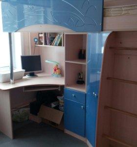 Комплект кровать + шкаф + письменный стол + матрац