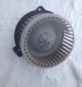 Prado 120 Мотор отопителя салона (передний)