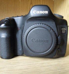 Продам Canon EOS 5D body в хорошем состоянии