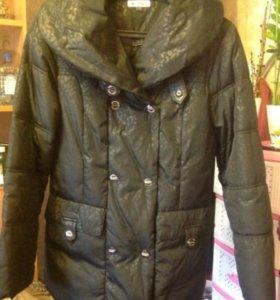 Куртка женская, практически новая.  размер 46-48
