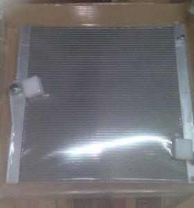 Радиатор БМВ Х 5 / BMW X5 E70