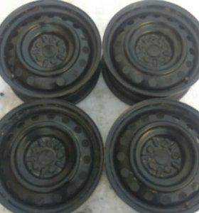 Оригинальные штампованные диски тойота