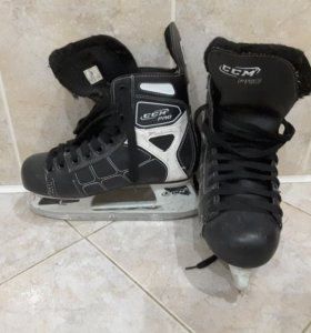 Хоккейные коньки CCM PRO 39р