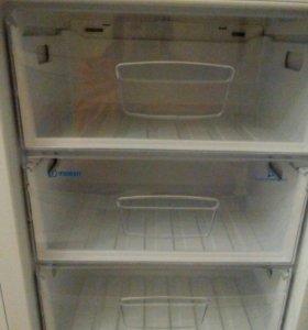 Новый холодильник Индезит
