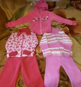 Кофточка и костюмы на девочек