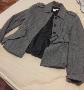 Шерстяной пиджак Mango