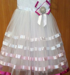 Платье на выпускной,праздник,День рождения.