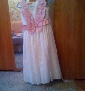 Платье нарядное для девочки.