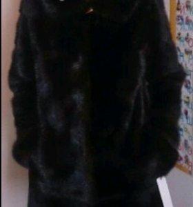 Норковая  шуба  поперечка  с копюшоном.
