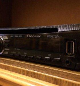 Магнитола Pioneer с USB