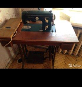 Немецкая швейная машина Naumann