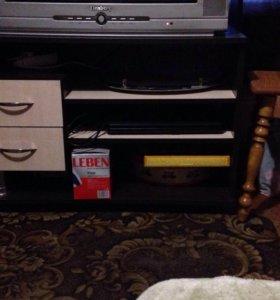 Тумба под ТВ и зеркало