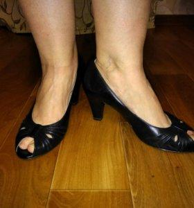 Новые туфли Caprice 37 р-р