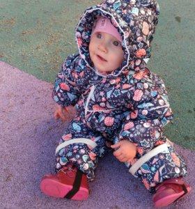 Детский демисезонный комбинезон.