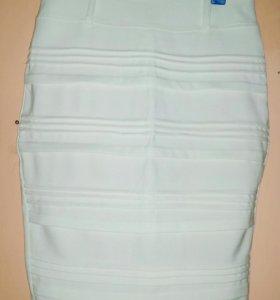 Белая юбка новая. Карандаш