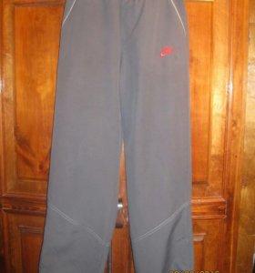 Спортивные брюки на рост 152-158 см.