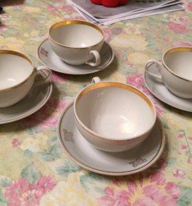 Чашки с блюдцами