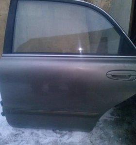 Дверь на MAZDA 626 1999г