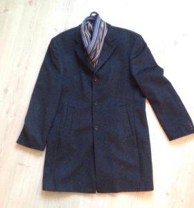 90% шерсть,пальто мужское