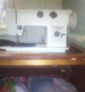 Швейная машинка Чайка м 143
