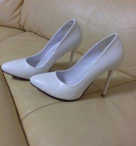 Продаю абсолютно новые туфли!