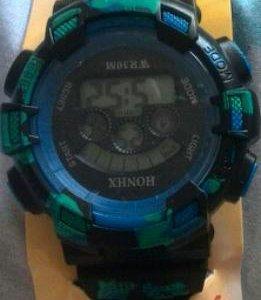 Спортивные водонепроницаемые часы