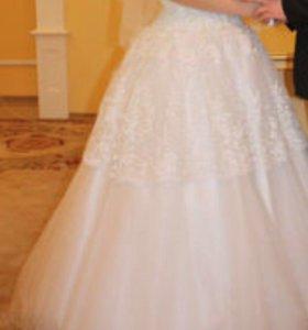 Свадебное платье, кольца, фата в подарок. Шубка.